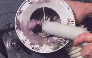 Рис. 26 Прочистите вентиляционный воздуховод
