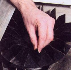 Рис. 29 Проверьте, вращается ли барабан, если вращаться крыльчатку вентилятора