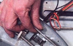 Рис. 32 Спираль нагревательного элемента может быть оборвана