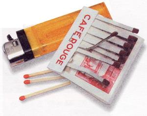 Рис. 47 Убедитесь, что в карманах не осталось спичек, зажигалок и других предметов